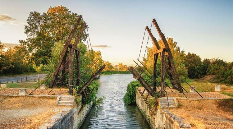 The Langlois Bridge At Arles 1888 By Vincent Van Gogh